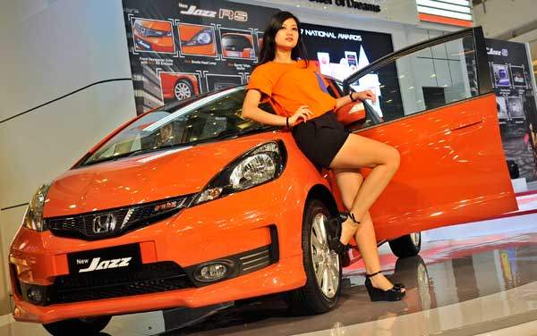 2013 honda jazz rs Honda Jazz RS 2013 Indonesia   Harga, Spesifikasi Dan Review