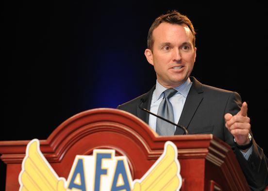 Eric Fanning é nomeado por Obama líder do Exército dos EUA; nomeação ainda deve ser confirmada pelo Senado norte-americano.