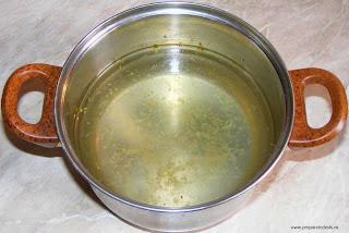 reteta sirop pentru sarailii si baclavale, sirop pentru insiropat prajituri si torturi, retete culinare, sirop de lamaie si vanilie,