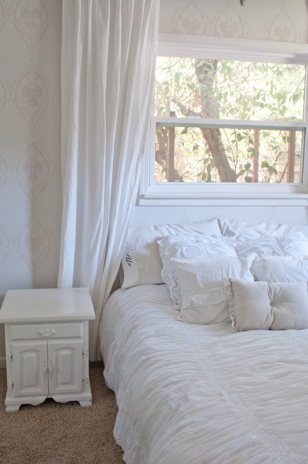 domestic fashionista stenciled master bedroom stencil giveaway now i am taking in the beauty of the stencils all by itself i am constantly wowed by it a minimalists dream a perfect room without a lot of fuss
