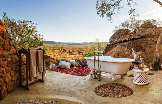 Safari Fusion blog | Bath with a view | Bathing amongst giant ancient bolders and gameviewing at Madikwe Hills Lodge, South Africa