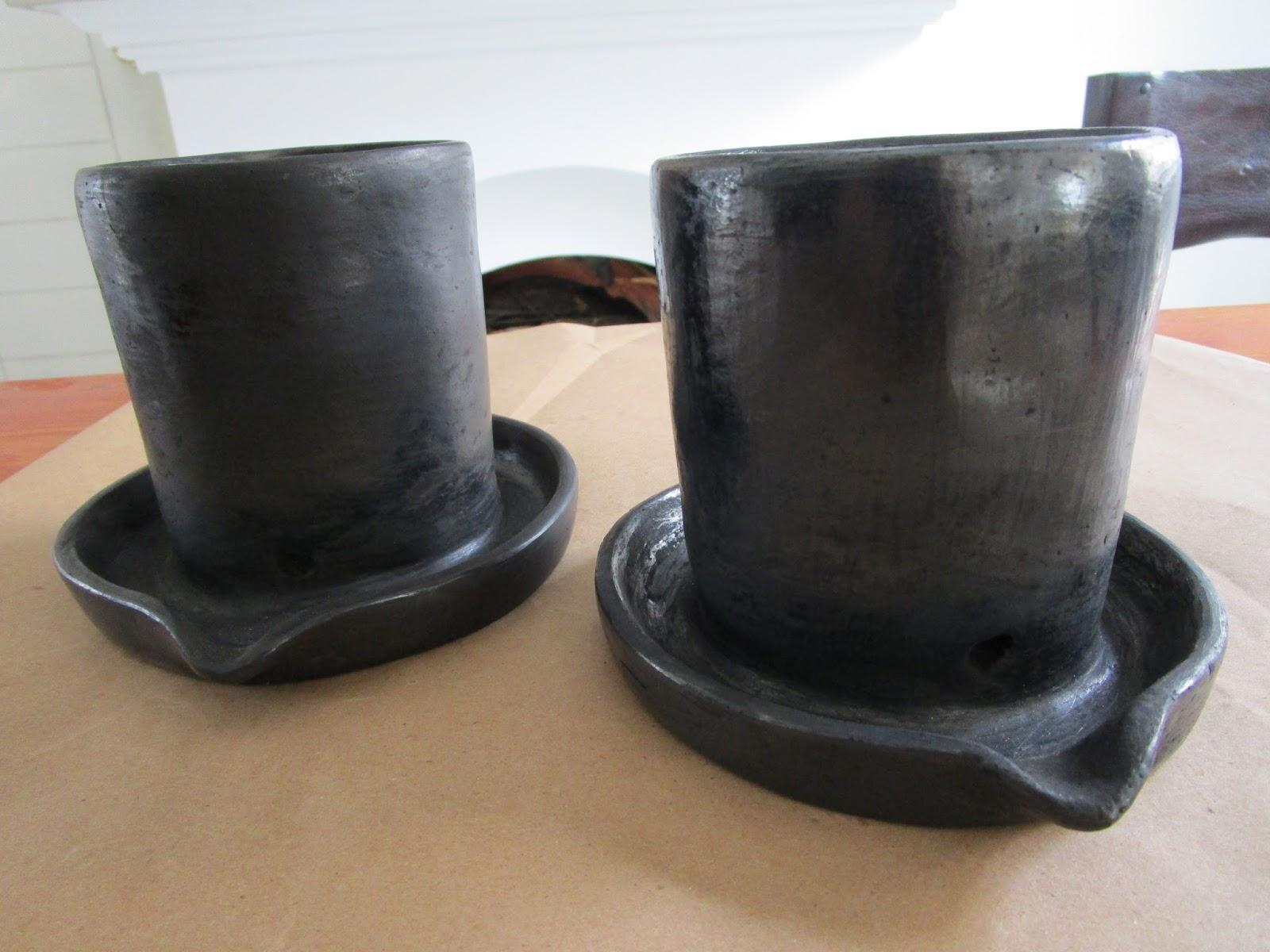 Combinalo con el guarda-esponjas y el jarrón para utensilios de barro negro  para que tu cocina luzca un carácter especial. ef6485da0d28