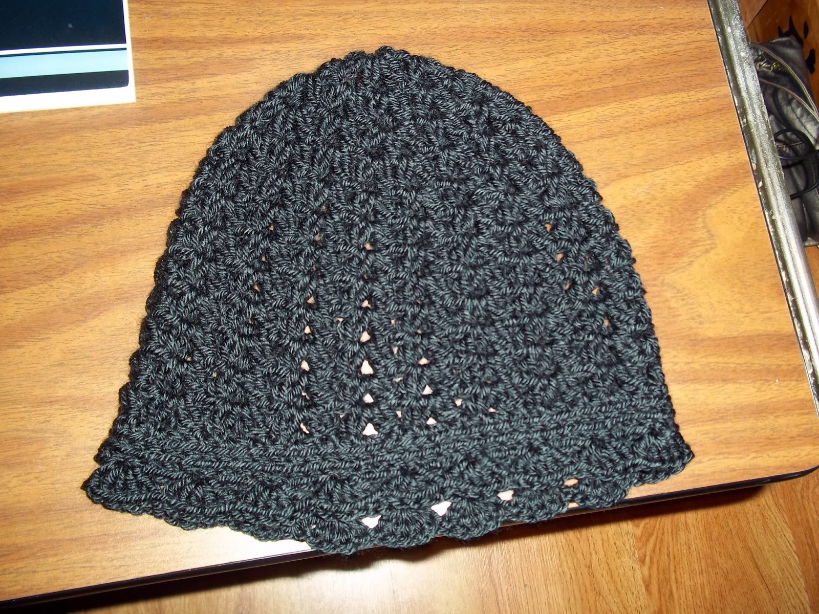 ... only a dream away: Crochet cluster v stitch hat and crochet Iron Man