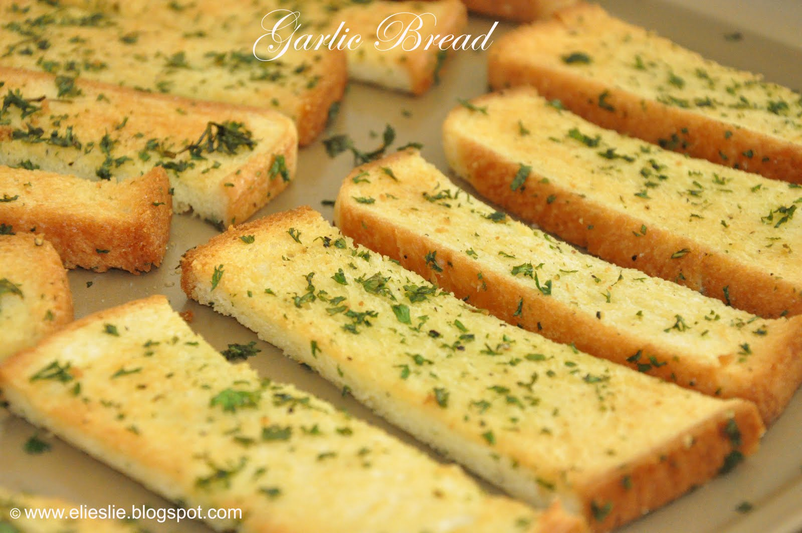 Everyone who loves toast bread will also loves Garlic Bread - even my ...