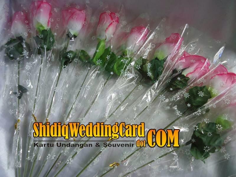 http://www.shidiqweddingcard.com/2014/02/souvenir-kuncup-tulip-pink.html