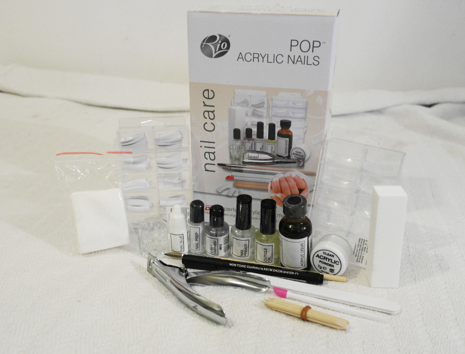 Lauras All Made Up Beauty, Nails, Fashion Blog ♥: Review| Rio Pop