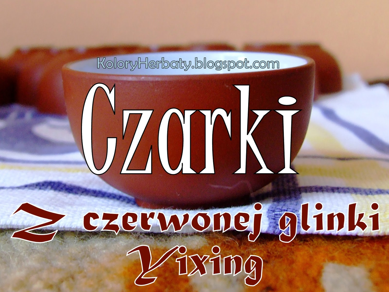 Czarki z czerwonej glinki yixing, gotowane w oolongu jin xuan