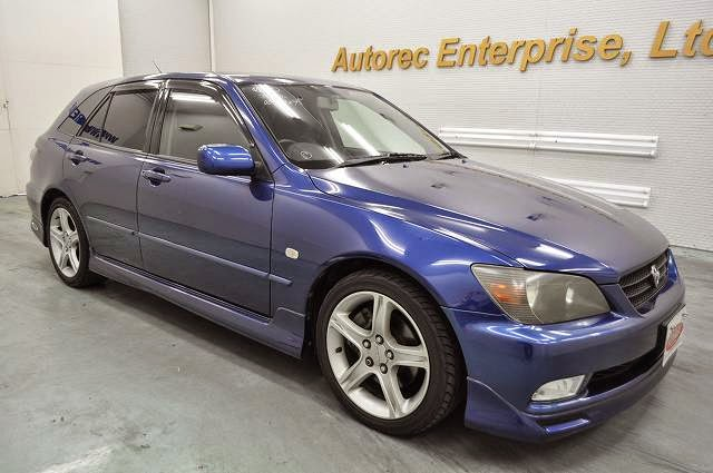 japanese vehicles to the world: 2001 toyota altezza gita as300 for