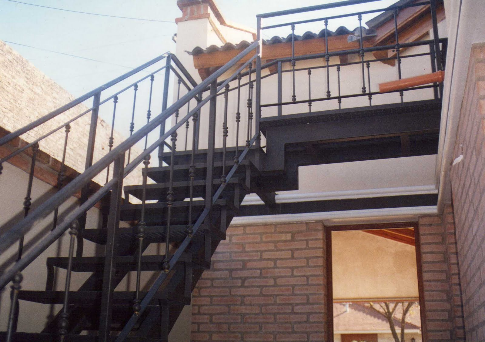 Fabrica de escaleras de hierro forjado ceroli escaleras - Escaleras de hierro para exterior ...