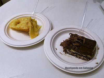 Doçaria Amor aos Pedaços: Fatias do Bolo Bem Casado e do Pavê de Chocolate