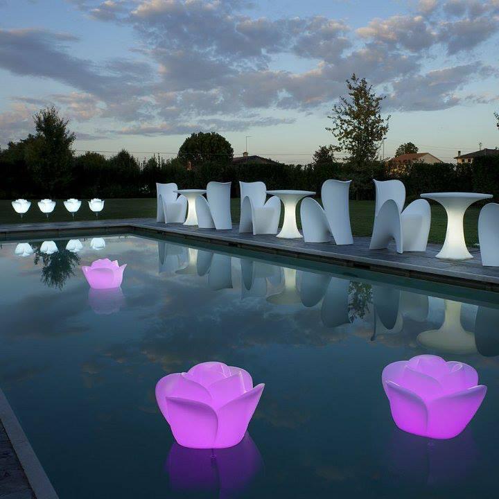 Arteeblog lumin ria para piscina e jardim baby love for Luminarias para piscinas