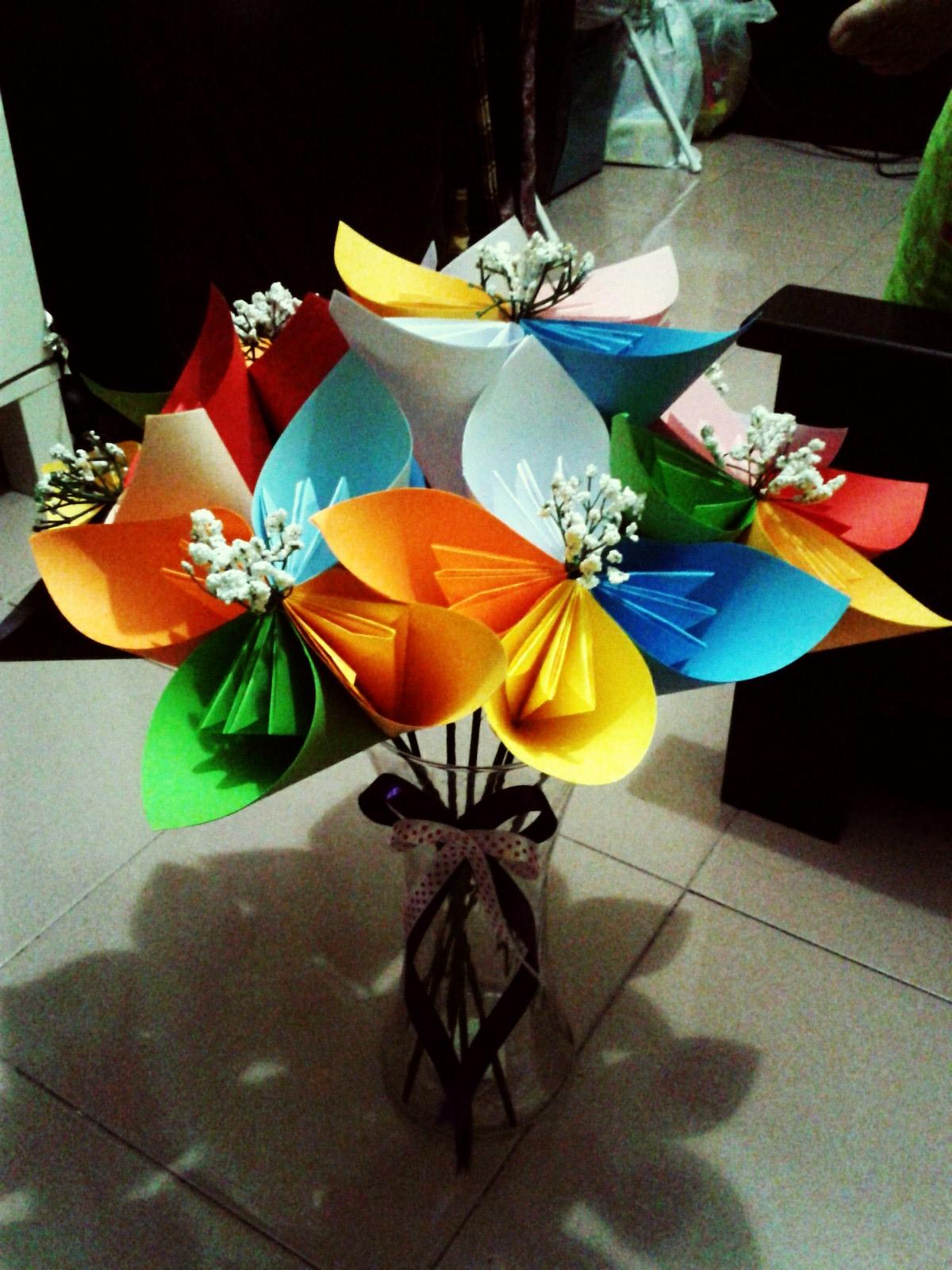 Bunga Dari Kertas