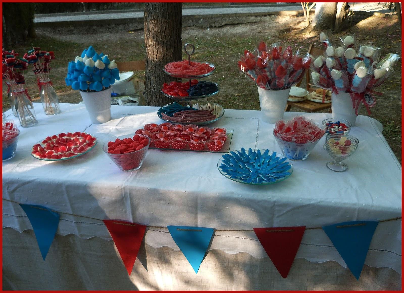 Cositas bbailon mesas tartas y brochetas de chuches - Mesa de chuches casera ...