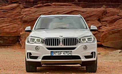 2018 BMW X7 SUV Rendered