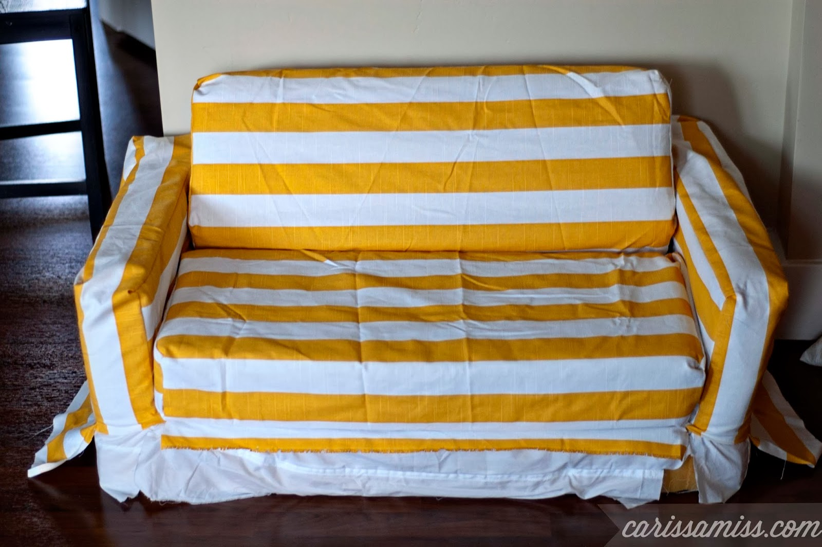 Carissa Miss: DIY Striped Slicover for kids flip sofa #creativebuzz
