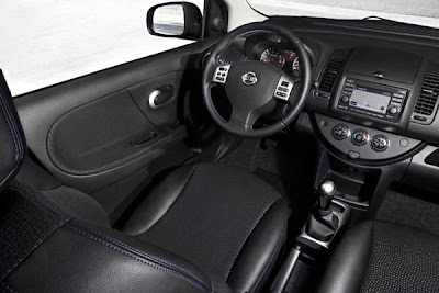 Interior design of 2012 nissan evalia.