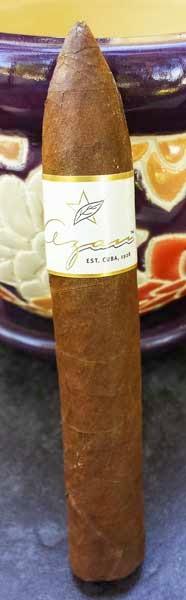Azan Maduro Natural Campana by Roberto Duran Cigars
