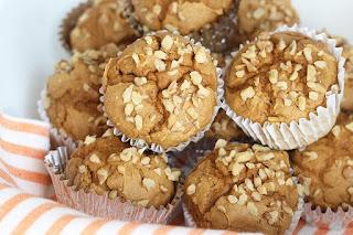 Skinny Pumpkin Spice Muffins  #healthybreakfastmuffins