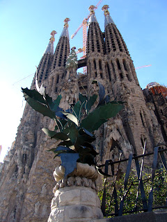 Outside of Barc4elona Sagrada Familia on Barcelonasights blog