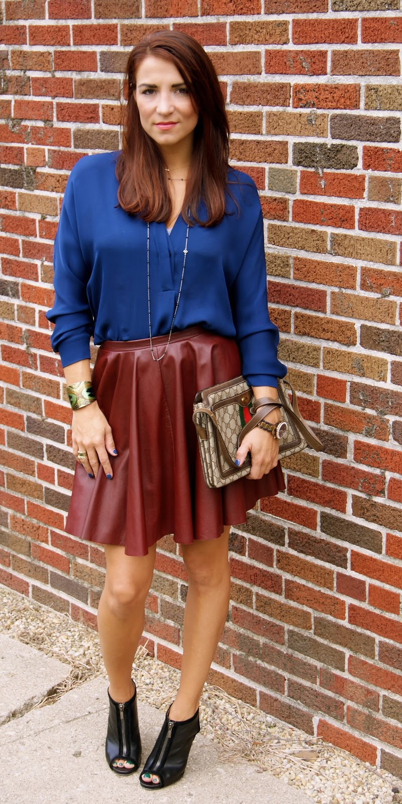 trendeditor how to wear pleated leather skirt