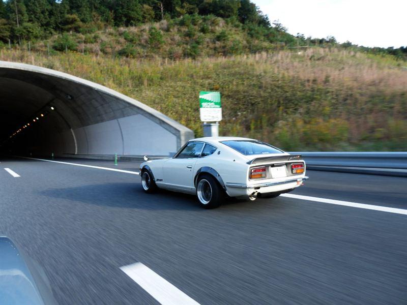 Nissan Fairlady Z S30  stary japoński samochód, klasyk, oldschool, 日本車, クラシックカー