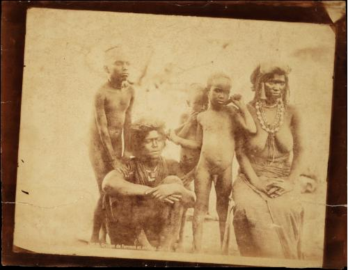 Groupe de Femmes et Enfants. Danakil. Abysinnia. c.1880. Photographer Unknown.