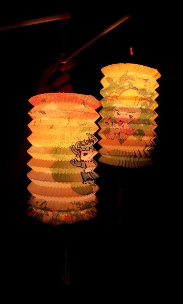 Lồng đèn cái giếng xưa