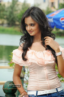 Actress-Shanvi-Latest-Stills
