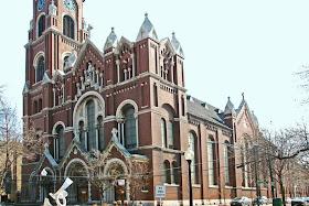 http://www.opoae.com/2013/03/bangunan-bangunan-terkenal-yang-selamat.html