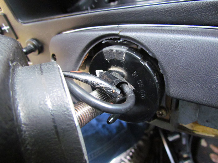 Steering Bushing Replacement On Saab C900  Pt  2 Crawls Backward  When Alarmed