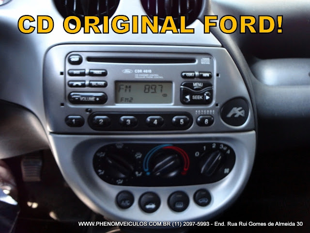 Ford Ka 1.6 XR 2004 interior - painel