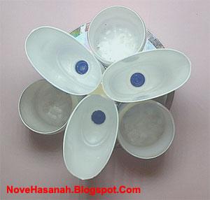 cara membuat kerajinan tangan sederhana dari CD bekas dan botol plastik bekas 5
