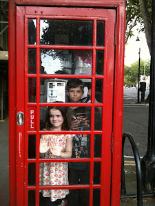 Luca & Stella Phone Booth
