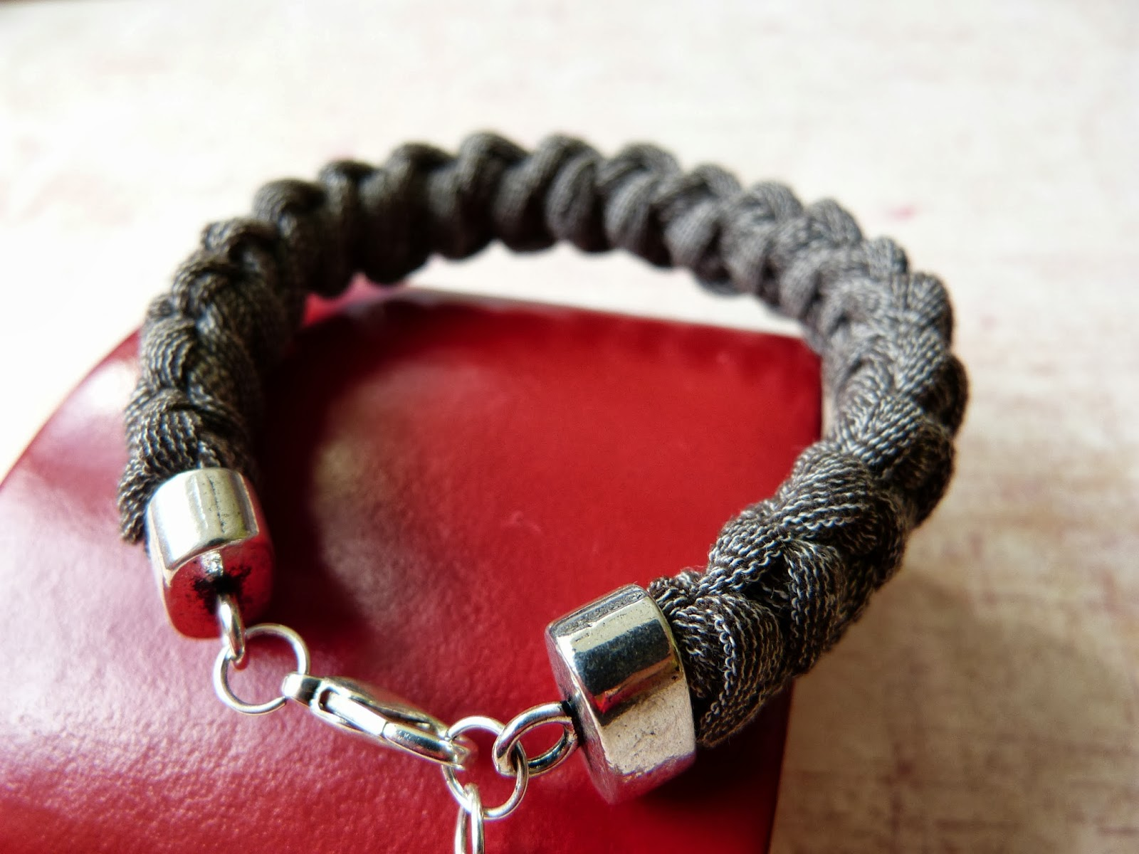 handmade bracelet, bransoletka z rajstop, recyklingowa bransoletka, jersey knit bracelet, bransoletka z recyklingu