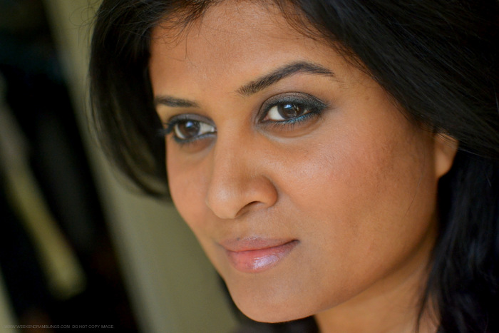 Easy Step by Step Makeup Tutorial How to Bronze Brown Eyeshadow Smudged Dark Green Eyeliner Peach Lips