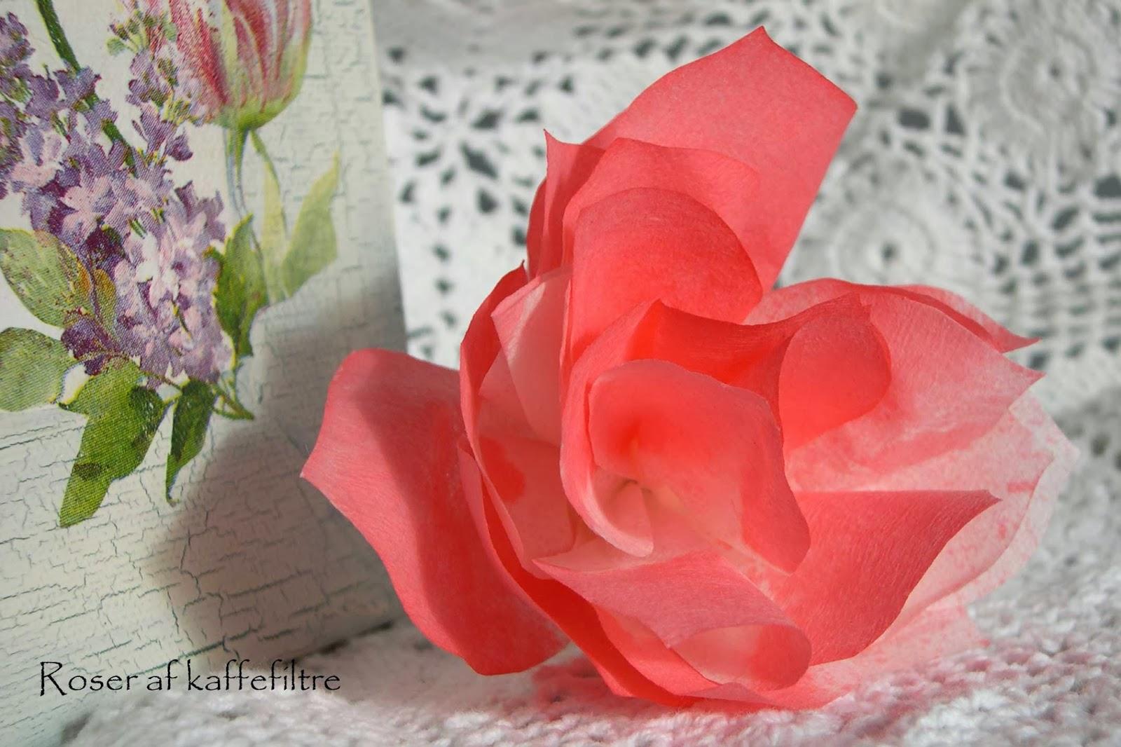 blomster lavet af kaffefiltre