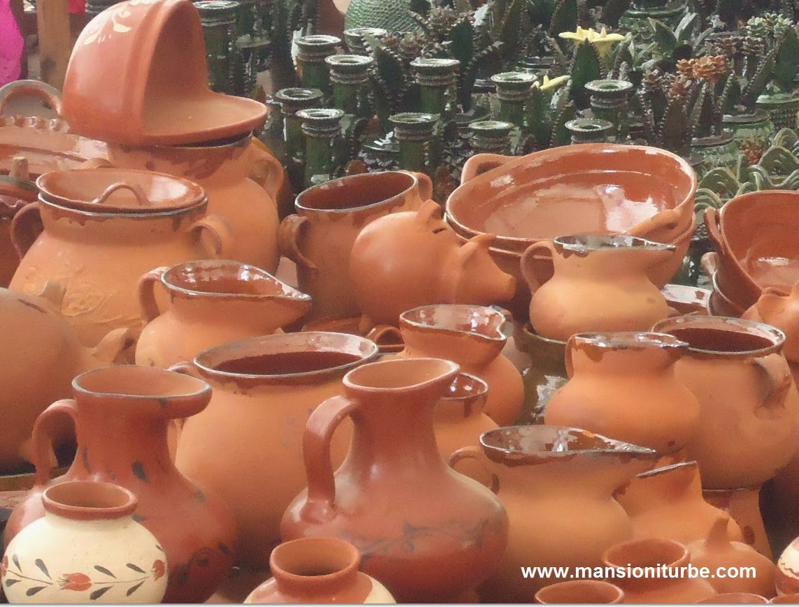 Mexican Folk Art: Pottery from Michoacán