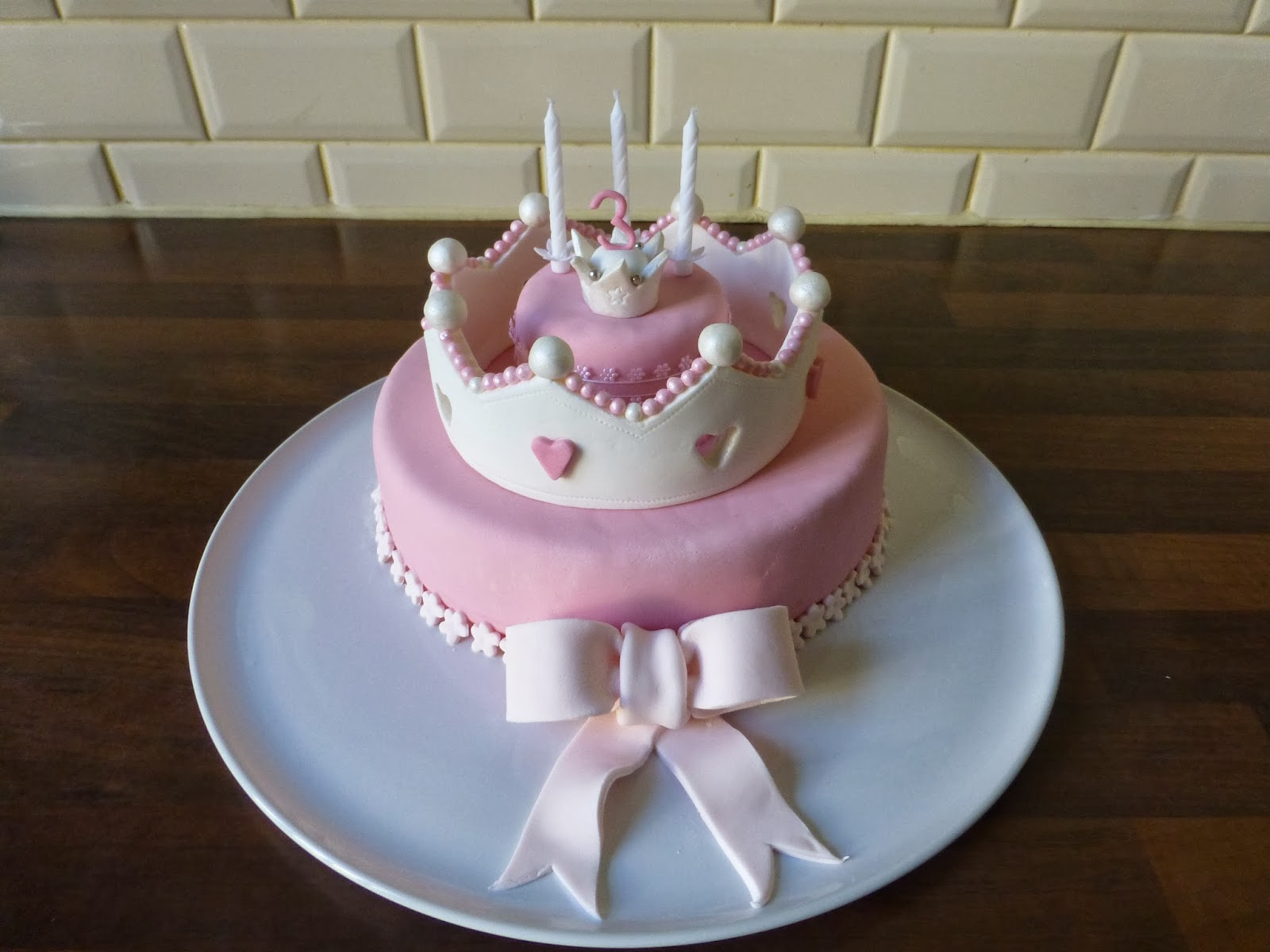 Sweet designs by Gabriela: Princess crown cakes