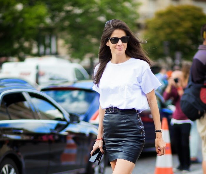 white tshirt black leather skirt outfit streetstyle