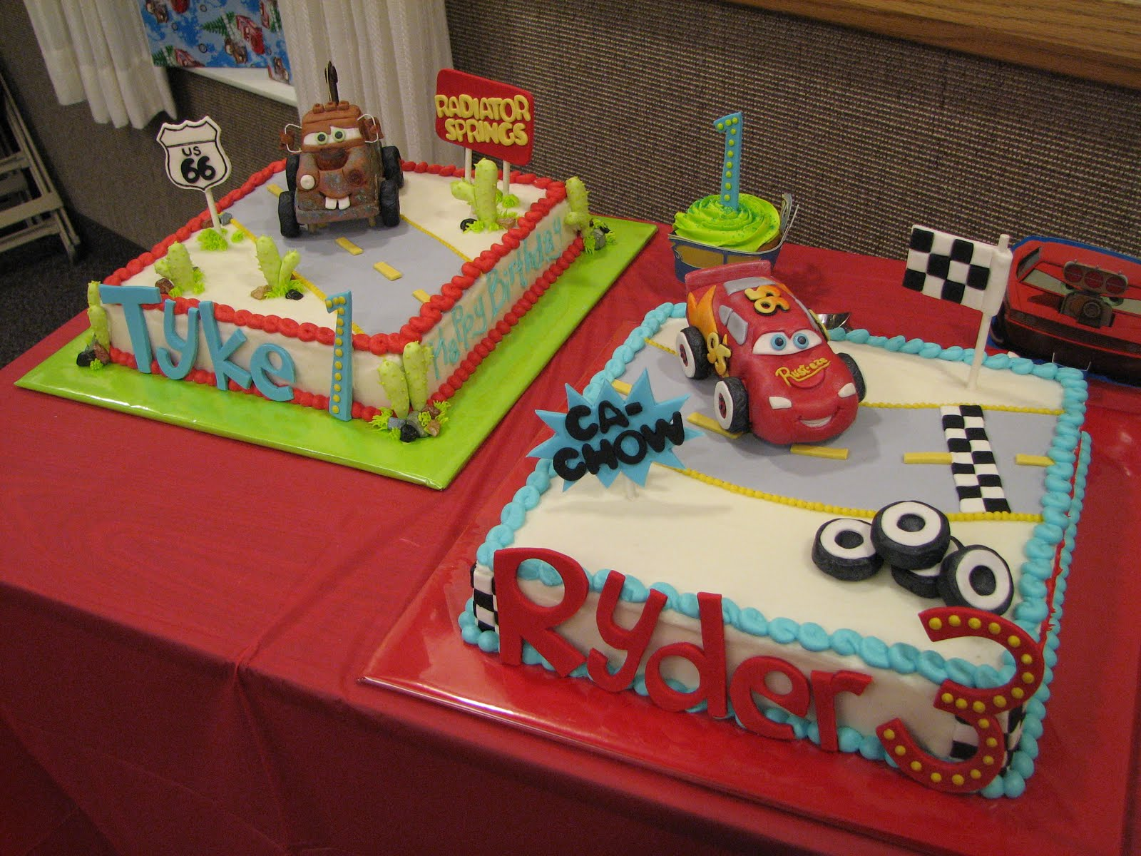 Mcqueen Cars Cake Design : Decadent Designs: Lightening McQueen and Mater Birthday Cakes