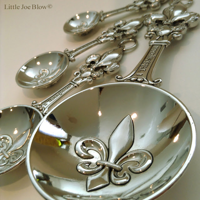 Fleur De Lis Measuring Spoons by Ganz photo 1