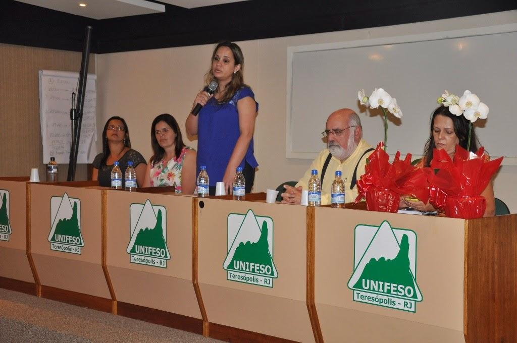A professora Roberta Monteiro tomou posse direção do CESO