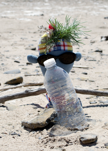 Tonka Wonka, Eco Warrior gets up close and personal with litter on North Beach.