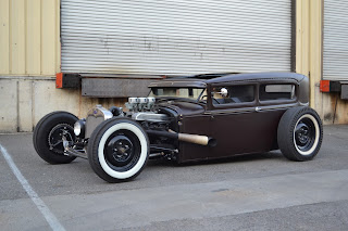 Chuckles garage 1930 ford tudor for Garage ford annecy 74