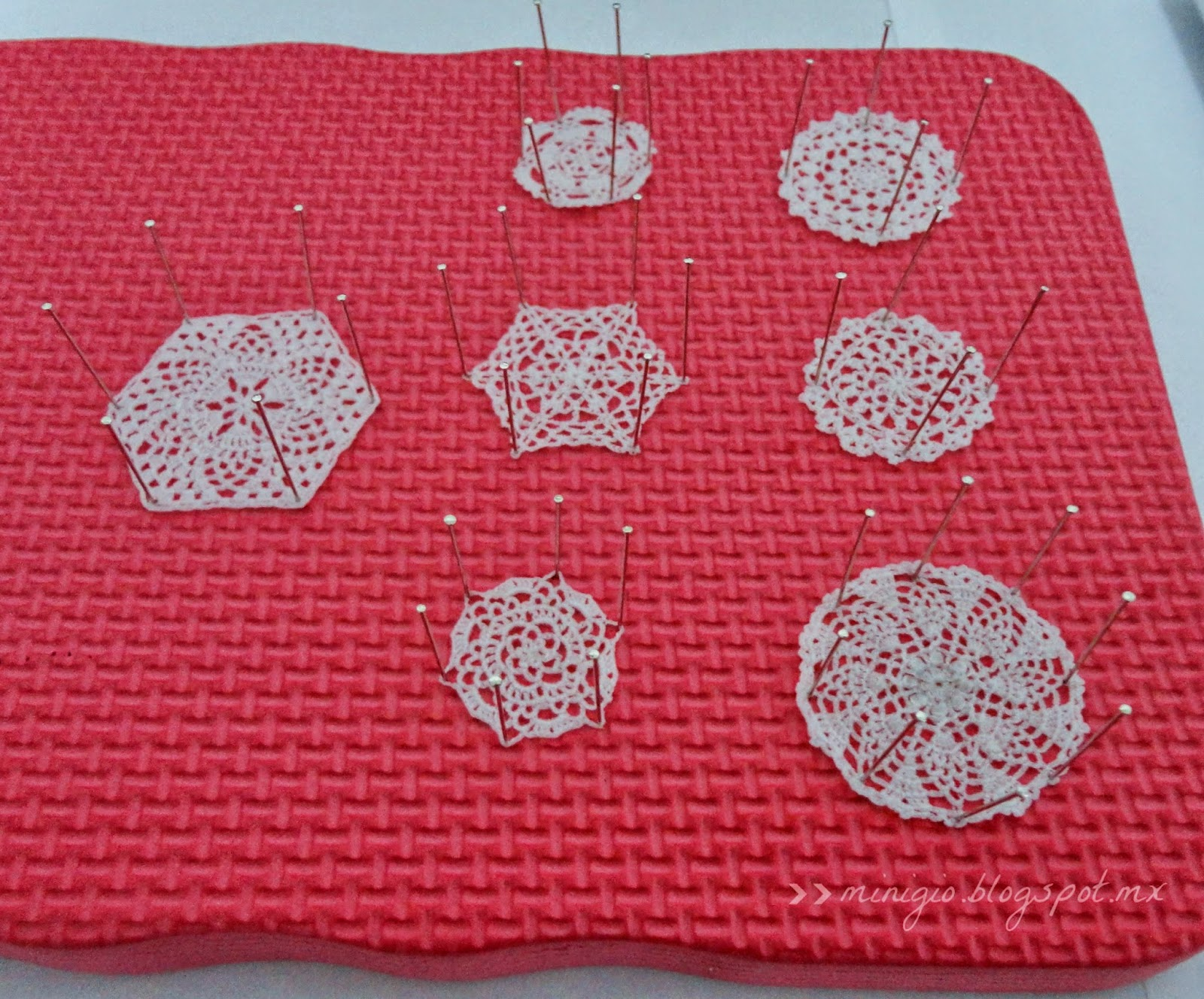 miniature crochet doilies, dollhouse miniatures, scale 1:12