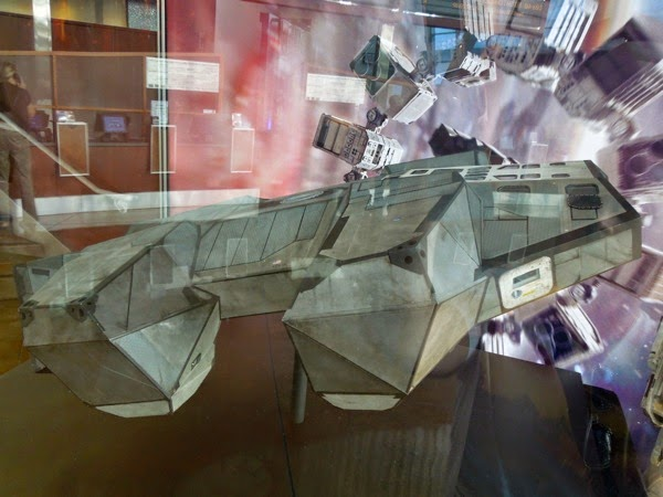 Interstellar Lander spaceship 1:15 scale model