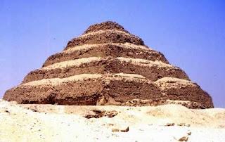Complejo Funerario de Zoser. Egipto. Piramide escalonada.