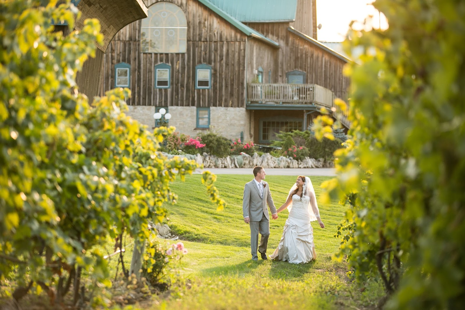 Vineyard wedding inspiration // the-lifestyle-project.com