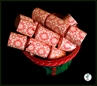 Christmas Crackers with chocolate - Red & Cream