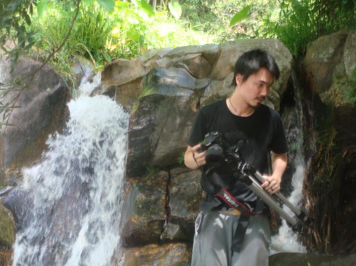 น้ำตกเก้าชั้น หรือ เก้าโจน อ.สวนผึ้ง จ.ราชบุรี ห่างจากลันดา 300 เมตร